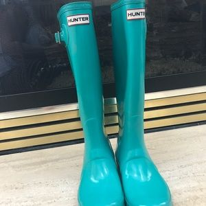 Turquoise Hunter Boots Sz. 7